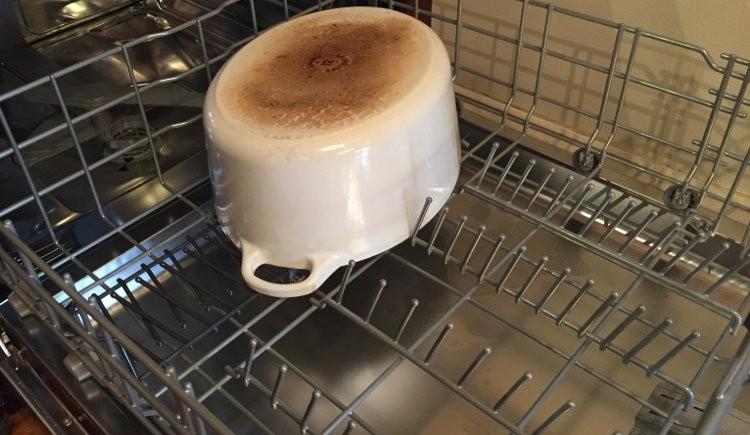 6.75 Le Creuset dutch oven in Bosch dishwasher